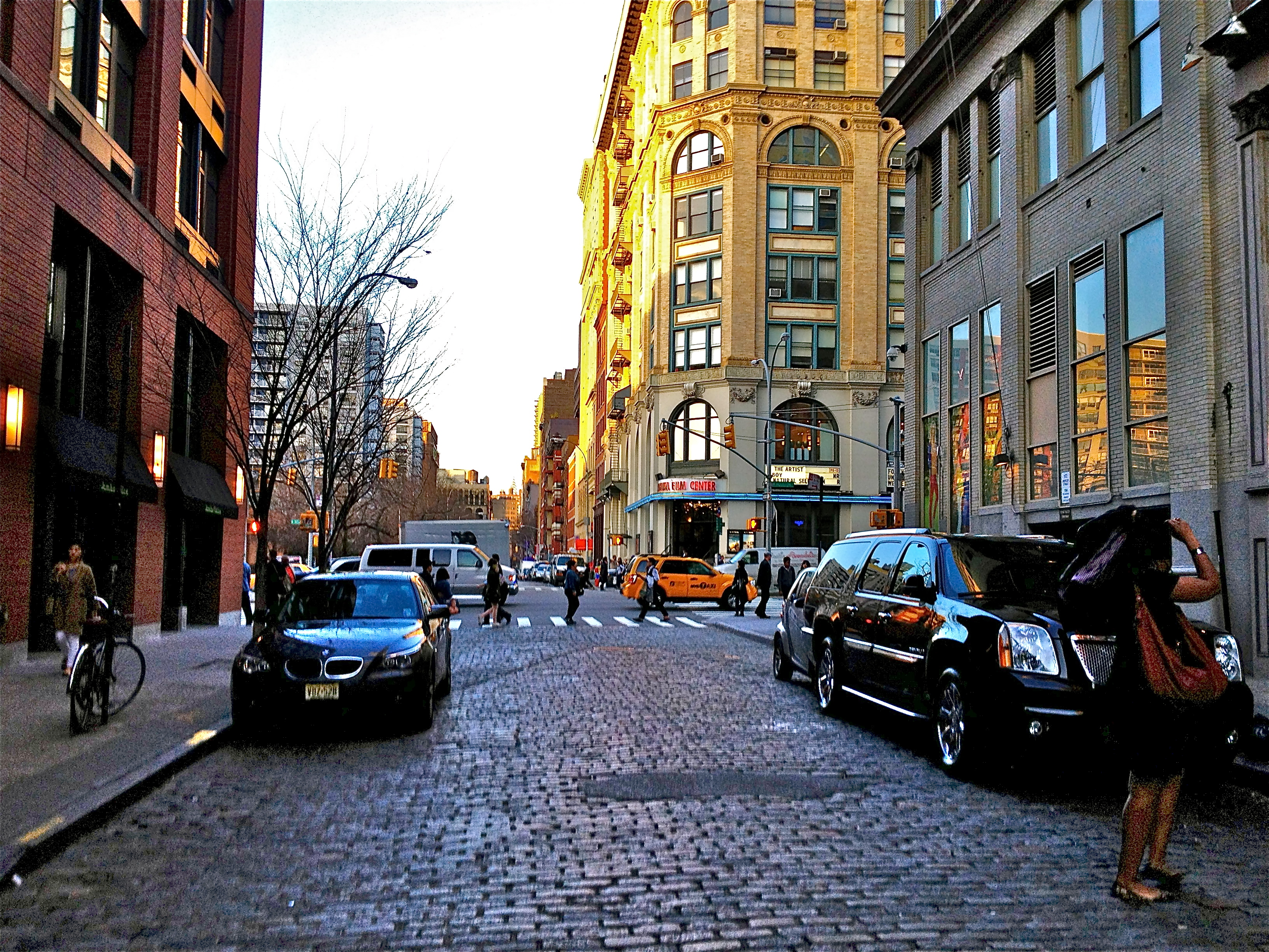 Check out all the interesting things you can see at soho for Cool shit to do in nyc